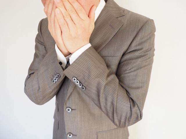 日常・仕事中など喉に異物感を感じ臭い玉が口の中から出てくる