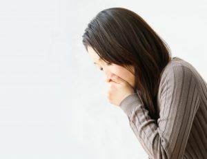 激しい咳が出た時に痰と共に大きな膿栓が出てきた