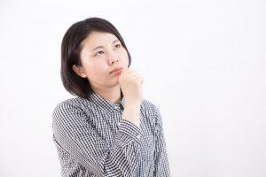 加齢による唾液の減少と、口内の食べカス・歯垢が原因だと言われました