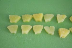 切ったパイナップル