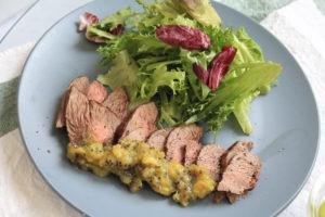 牛肉のキウイソース